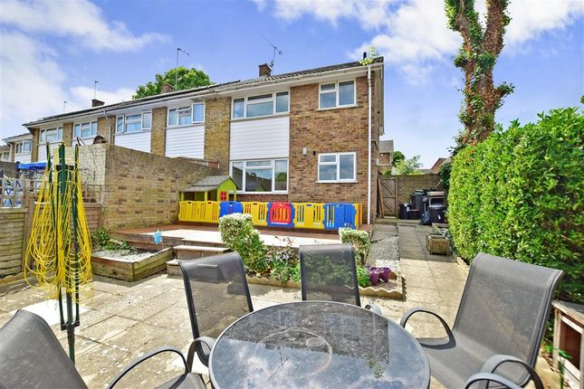 2 bed end terrace house for sale in Ifield Way, Gravesend, Kent