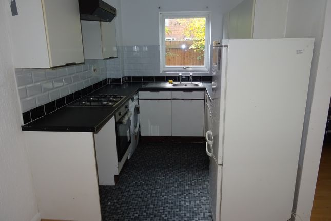Thumbnail Terraced house to rent in Shingle Close, Luton