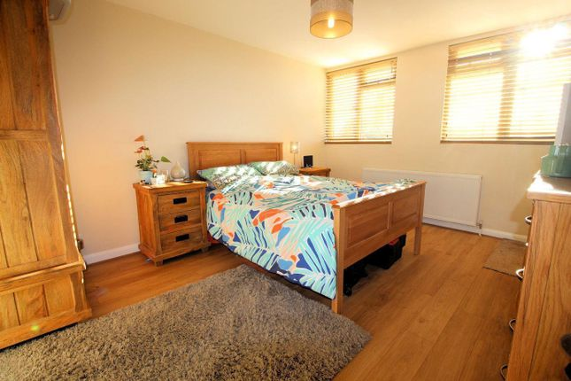 Bedroom 2 of Wychwood Close, Sonning Common RG4