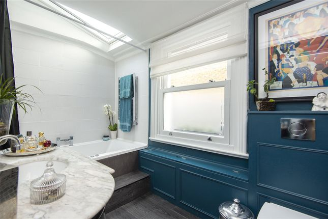 Bathroom of Chelmer Road, Hackney, London E9