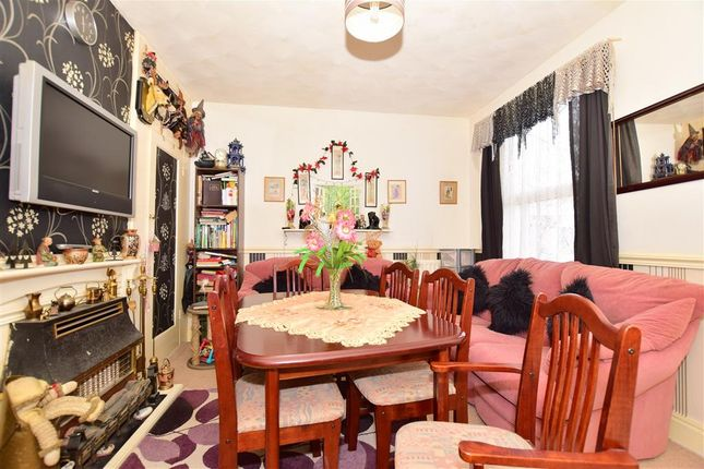 2 bed semi-detached bungalow for sale in Watling Avenue, Chatham, Kent