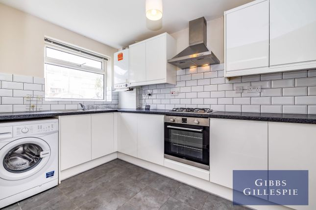 Thumbnail Semi-detached house to rent in Knoll Crescent, Northwood, Middlesex