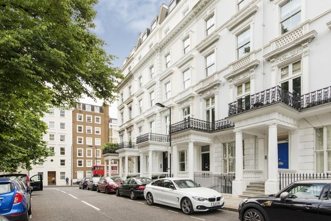 Thumbnail Flat to rent in St. Stephens Gardens, London