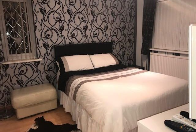 Room to rent in Finmere, Bracknell RG12