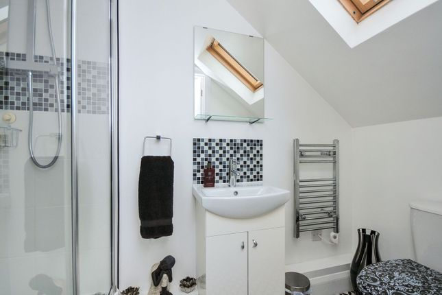 Master En-Suite of Crown Lane, Bromley BR2