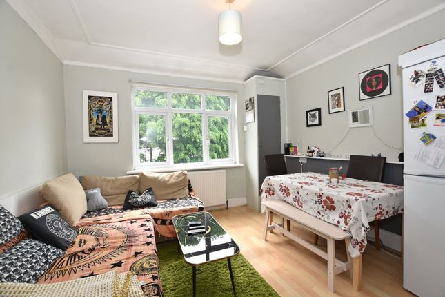 Thumbnail Flat for sale in Lonsdale Road, London