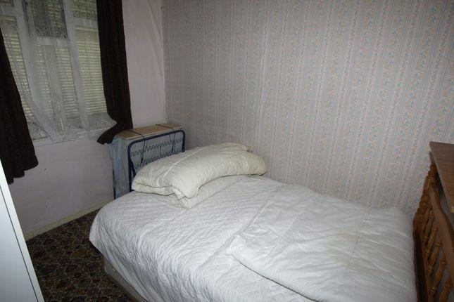 Bedroom One of Berrywell Bungalow, Kirkwood Bridge, Springvale S36