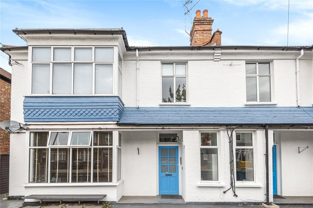 Flat in  Hindes Road  Harrow  Middlesex  Watford