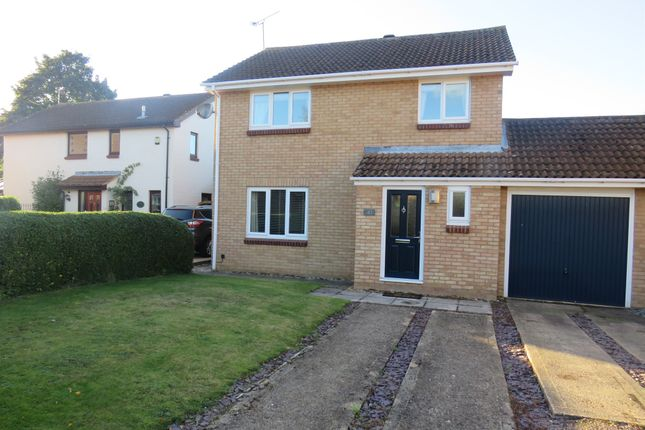 Thumbnail Detached house for sale in Sunridge Close, Newport Pagnell