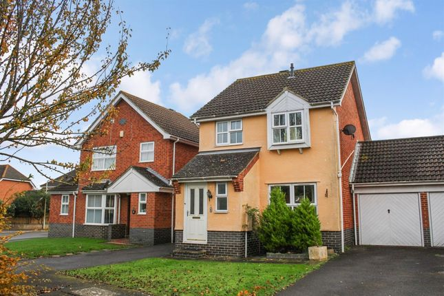 Thumbnail Link-detached house to rent in Hawthorn Road, Kingsnorth, Ashford