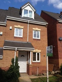 Thumbnail Town house to rent in Hills Close, Mexborough