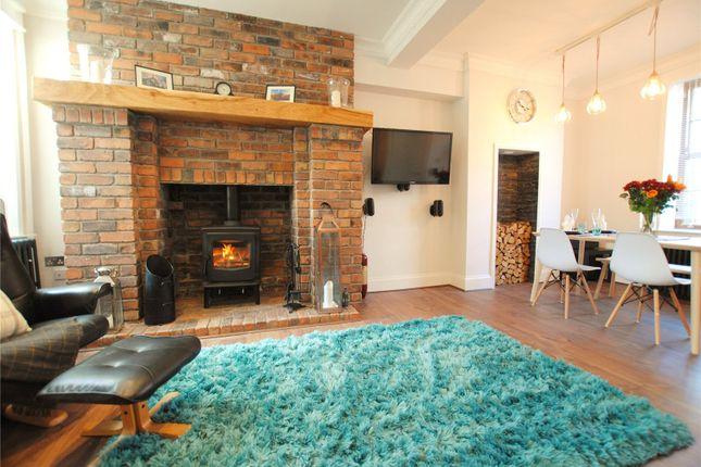 Lounge/Dinning Room