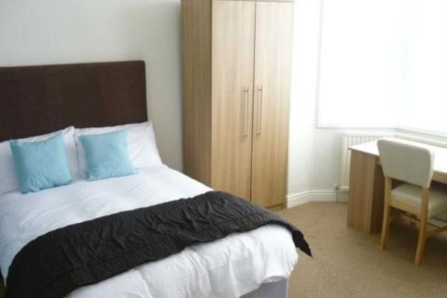 Thumbnail Shared accommodation to rent in Grassfield Avenue, Manchester