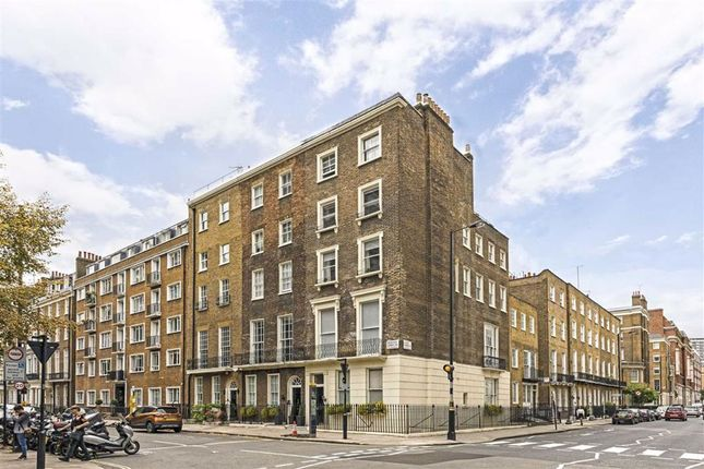 Flat to rent in Montagu Street, London