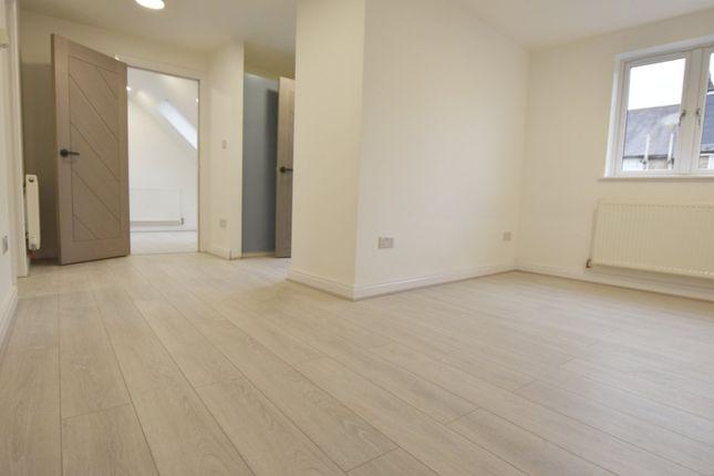 Thumbnail Studio to rent in Sundridge Place, Addiscombe, Croydon