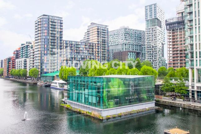 Thumbnail Flat for sale in South Quay Plaza, Marsh Wall, Canary Wharf