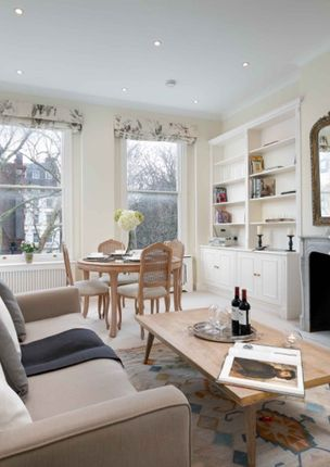 Flat to rent in Courtfield Road, South Kensington, London