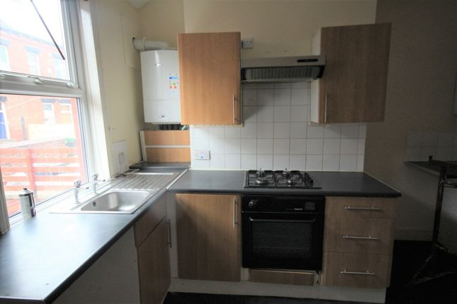 Thumbnail Terraced house to rent in Victoria Grove, Leeds