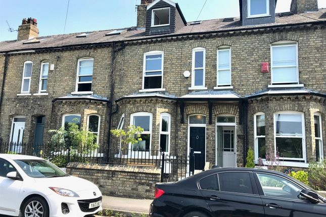 3 bed town house to rent in Albemarle Road, York YO23