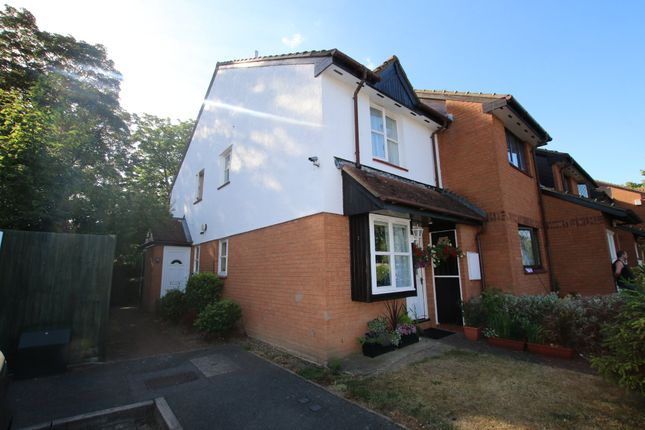 1 bed semi-detached house to rent in St. Pauls Avenue, Slough SL2