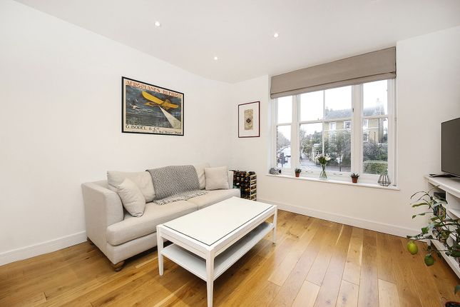 Lounge of Lewisham Way, London SE4