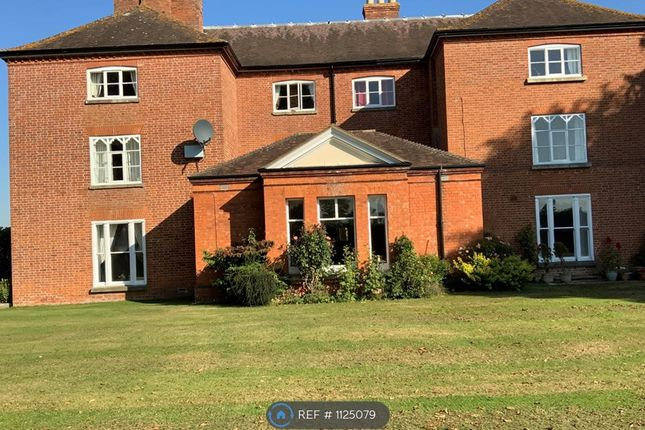 2 bed flat to rent in Wilton Place, Dymock GL18