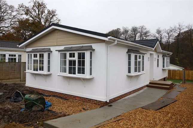 Thumbnail Mobile/park home for sale in Westwood Park, Bashley Cross Road, New Milton