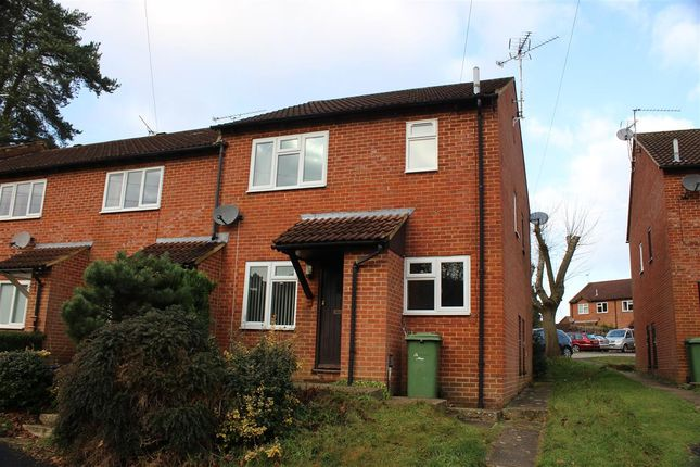 Thumbnail Terraced house to rent in Garnet Road, Bordon