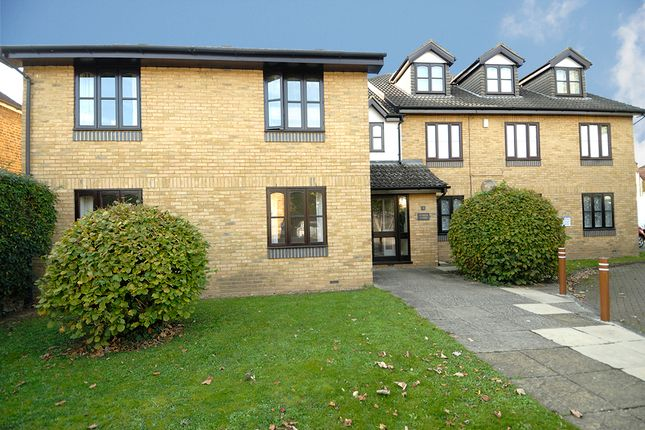 Thumbnail Flat to rent in Juniper Court, Spreighton Road, West Molesey