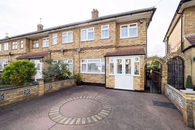 3 bed end terrace house for sale in Nelson Road, Rainham RM13