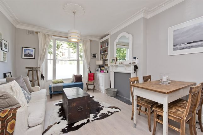 1 bed flat for sale in Coningham Road, London