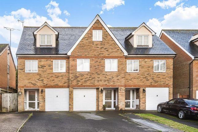 656975 (1) of Cambridge Road, Crowthorne, Berkshire RG45