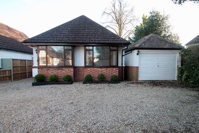 Thumbnail Bungalow to rent in Denton Road, Wokingham, Berkshire