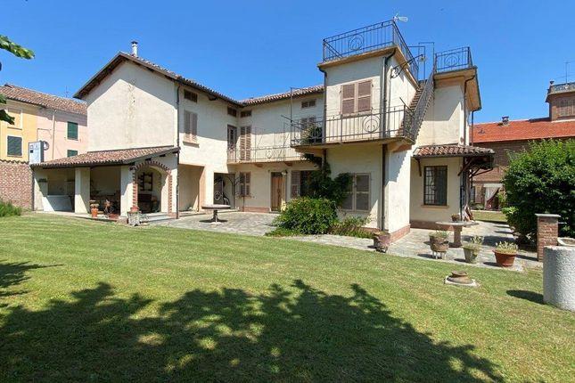 Thumbnail Farm for sale in Vi Giuseppe Garibaldi 10, Bruno, Asti, Piedmont, Italy