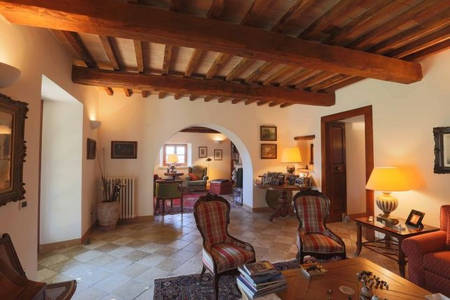 Reception Rooms of Casaccia, Monte Santa Maria di Tiberina, Umbria