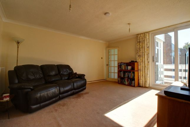 Thumbnail Flat for sale in Burland Road, Brentwood