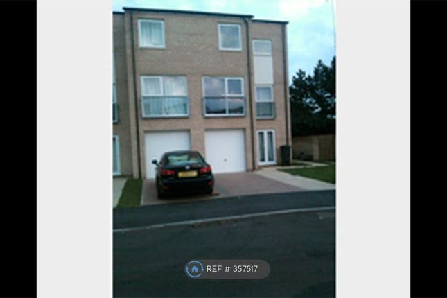 Thumbnail Semi-detached house to rent in Aviation Avenue, Hatfield