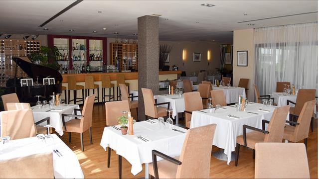 Thumbnail Restaurant/cafe for sale in Estepona, Estepona, Málaga, Andalusia, Spain