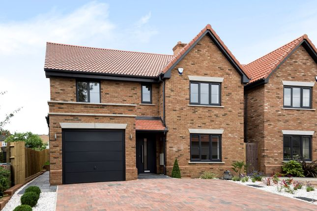 5 bed detached house for sale in Bearton Road, Hitchin SG5
