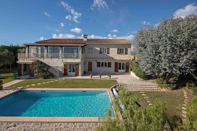 Villa for sale in La Roquette-Sur-Siagne, French Riviera, France