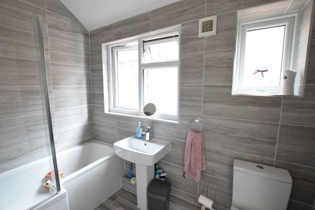 Bathroom of Ringwood Road, Eastbourne BN22