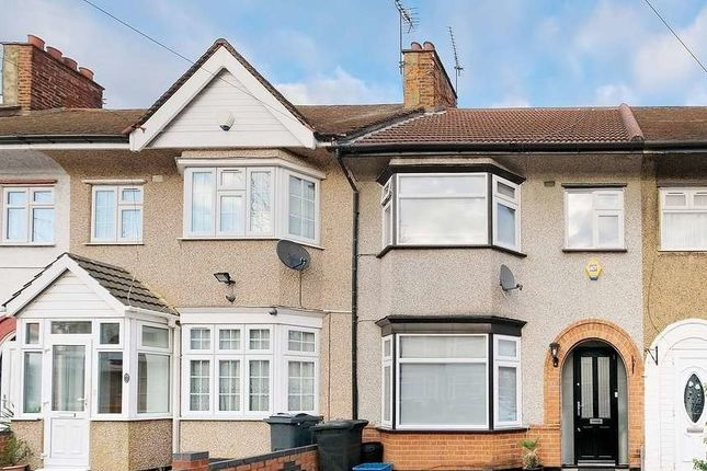 Thumbnail Terraced house to rent in Springfield Drive, Ilford
