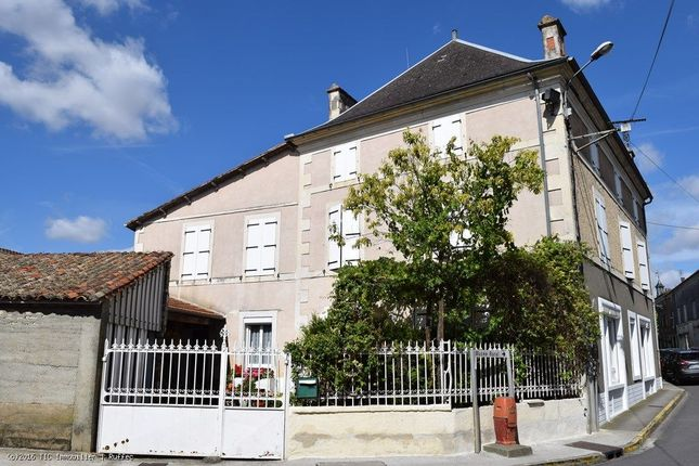 4 bed property for sale in Villefagnan, Poitou-Charentes, 16240, France