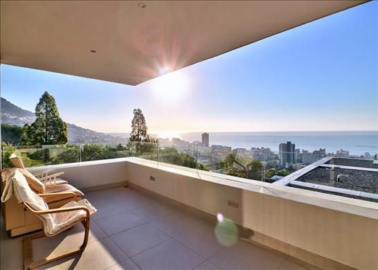 Thumbnail Apartment for sale in Sea Point, Cape Town, South Africa
