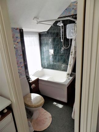 Bathroom of Higher Town, St. Martin's, Isles Of Scilly TR25