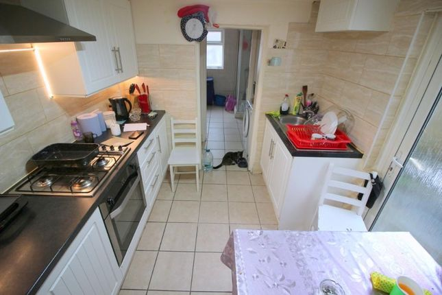 4 bed terraced house to rent in Monega Road, London E7