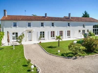 5 bed property for sale in Jarnac, Charente, France