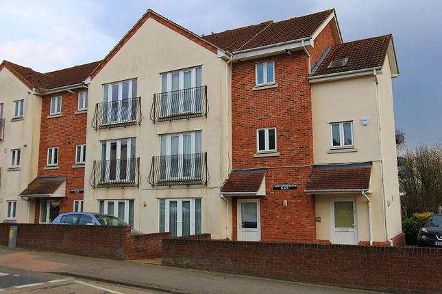 Thumbnail Flat for sale in Place Flat 3, Meadow Rise, Essex, Essex CM11 2Df