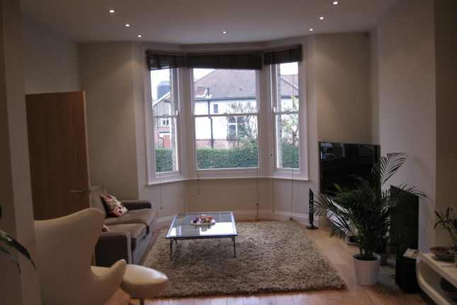 Thumbnail Semi-detached house to rent in Warwick Road, Barnet