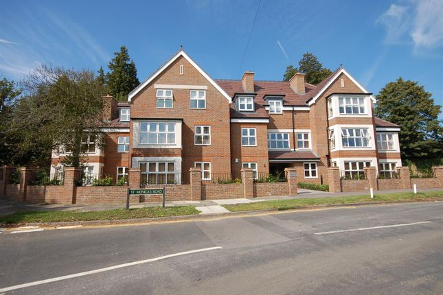 3 bed flat for sale in St. Monicas Road, Kingswood, Tadworth KT20